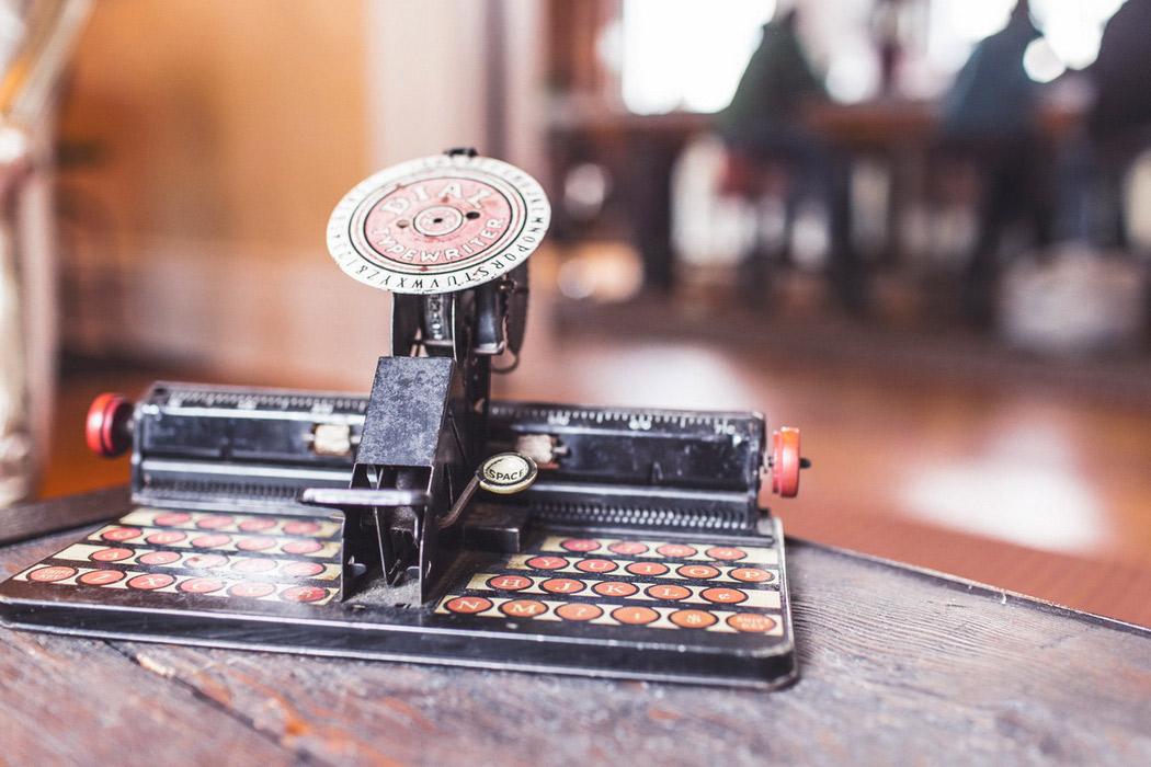 Antiquary Typewriter